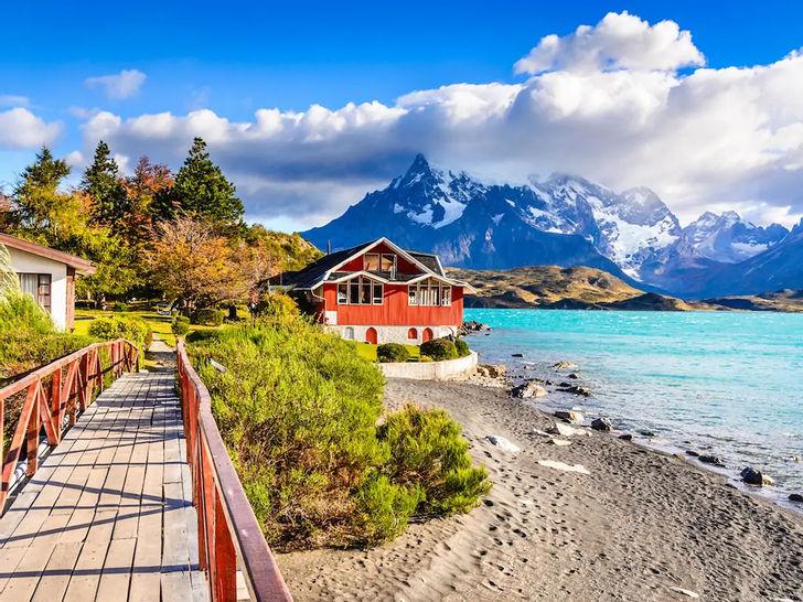 Южная Америка - список путешественников. Он наполнен культурой и приключениями, где бы вы ни ступили. К сожалению, это часто игнорируется и забывается. Южная Америка - это не только удивительно красиво, но и недорого. Путешественники часто отправляются в путь по Южной Америке, путешествуя по этому прекрасному континенту, ища неслыханные места и путешествуя по хорошо известным местам.